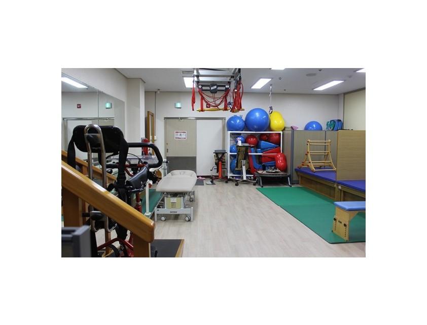 물리치료실 전경(큰 사이즈)
